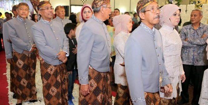 among tamu pada perikahan